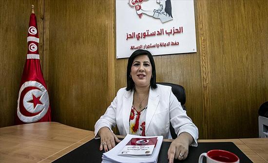 """برلمان تونس.. كتلة عبير موسي """"تعتصم"""" لجلب توقيعات """"سحب الثقة"""""""