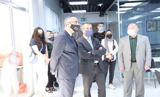 الحسين التقنية تبحث التعاون العلمي مع الجامعات الفرنسية