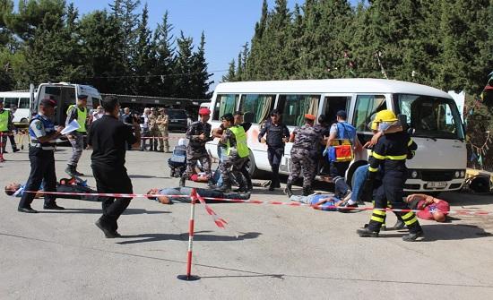 الدفاع المدني ينفذ تمريناً لحادث وهمي مفترض