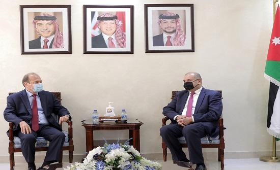 عودات يستقبل القائم بأعمال السفارة السورية في عمان