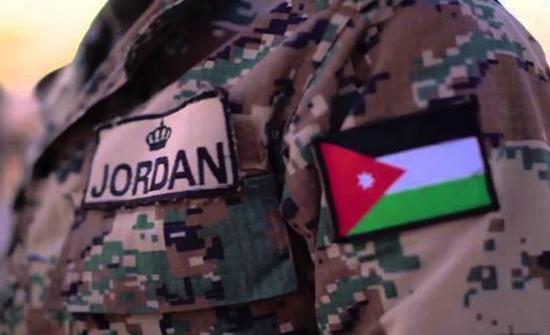 وزير العمل يدعو الشباب للالتحاق ببرنامج خدمة وطن