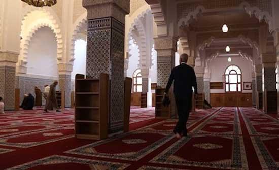 مذكرة نيابية تطالب بتقليص ساعات الحظر وفتح المساجد في رمضان