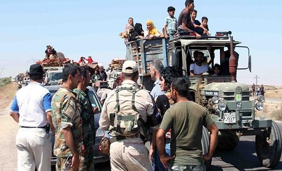 677 لاجئا سوريا عادوا من الأردن إلى بلادهم