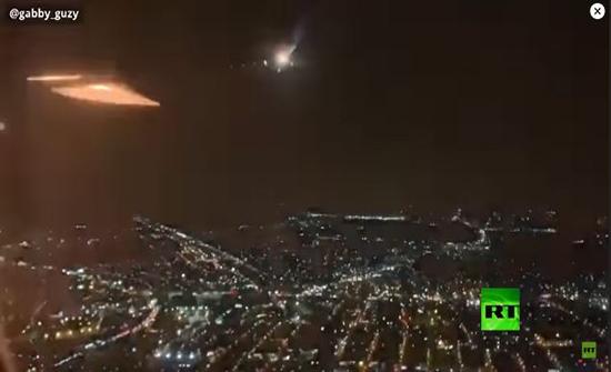 """بعد لحظات من إقلاعها.. """"نيران"""" تجبر طائرة على الهبوط! (فيديو)"""