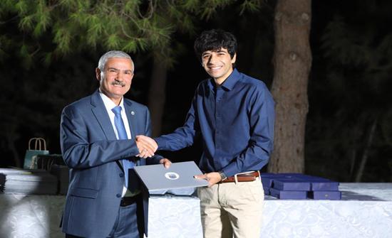 الأميرة سمية بنت الحسن تواصل دعمها لخريج جامعة الأميرة سمية يزن ياسين