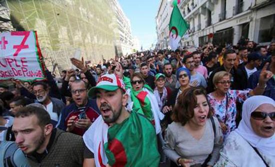حشود غفيرة في الأسبوع الـ 37 من احتجاجات الجزائر (صور + فيديو)