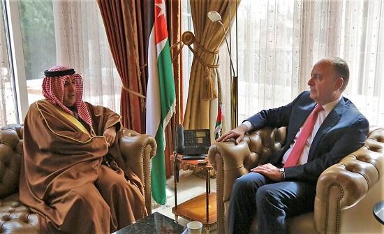 العضايلة يستقبل السفير الكويتي