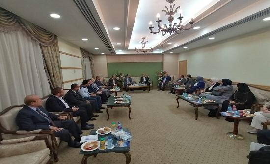 """الوفد البرلماني يدعو لدى لقائه رئيس """" النايلسات """" الى أهمية تبادل الخبرات الإعلامية العربية"""