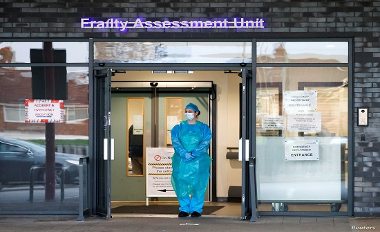 بريطانيا : الوضع في المستشفيات خطير