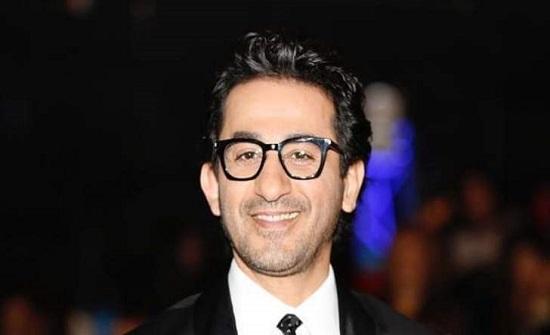 أحمد حلمي يرد بقوة على منتقدي بنطلونه