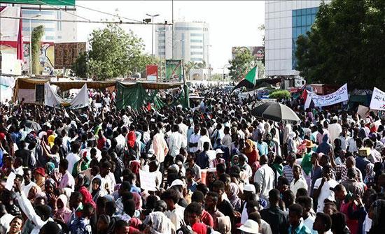 """استقالة عضو في """"تجمع المهنيين"""" السودانيين"""