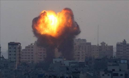 إسرائيل: قصف 130 موقعاً واغتيال 15 ناشطا من حماس بغزة