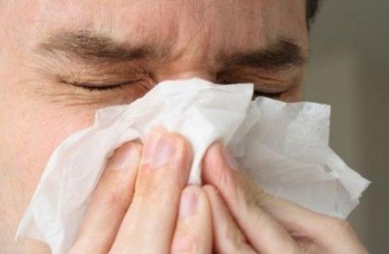 خبراء: تزامن الإصابة بالإنفلونزا وفيروس كورونا أمر ممكن