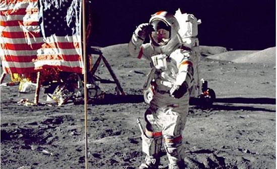 قصة الصورة التي أثارت الشكوك في أول هبوط بشري على القمر