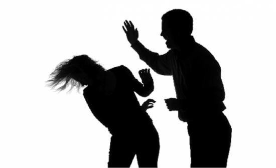 تقرير : 3% من المتزوجات المعنفات من قبل أزواجهن تقدمن بشكوى