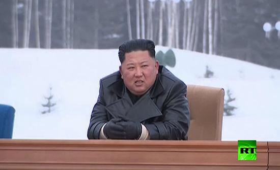 """بالفيديو : زعيم كوريا الشمالية يفتتح مدينة """"الحضارة الحديثة"""""""