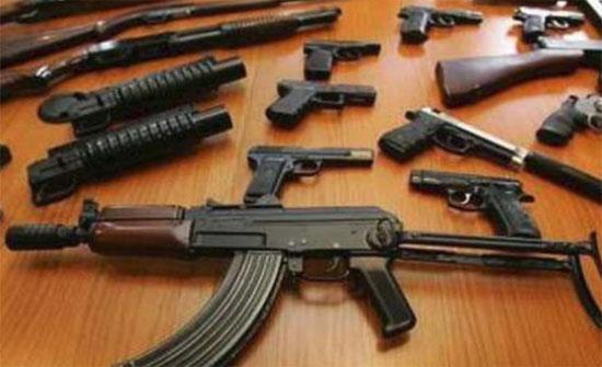 مأدبا : ضبط مطلوب خطير بحوزته اسلحة