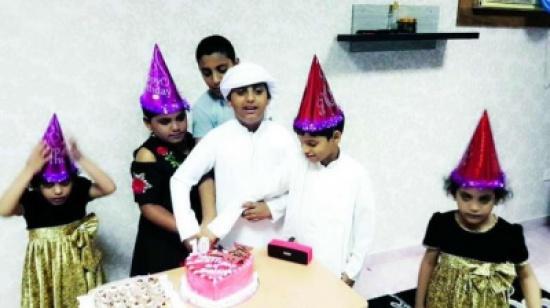 فيديو وصور.. وفاة سبعة اطفال من أسرة واحدة في الإمارات.. والأم تروي: رأيت صغاري يصارعون الموت