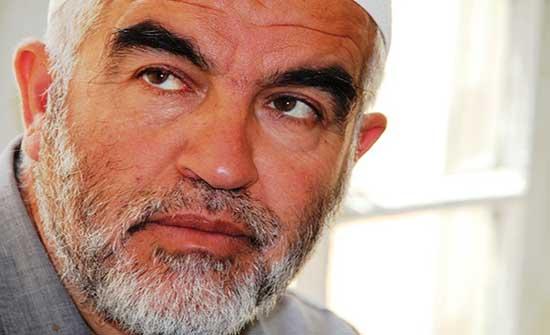 محامون: الاحتلال يواصل تعذيب الشيخ رائد صلاح بحبسه انفراديا