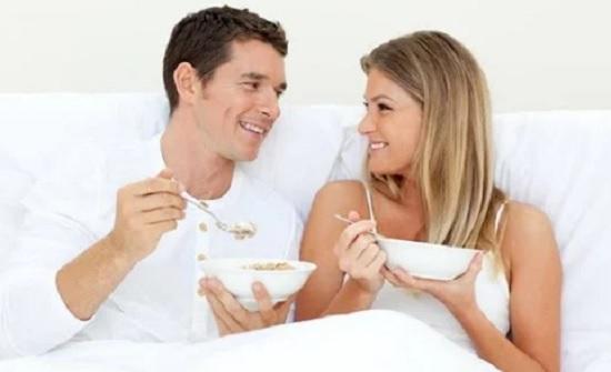 للرجال والنساء.. نظام غذائي لزيادة الخصوبة وسرعة الحمل