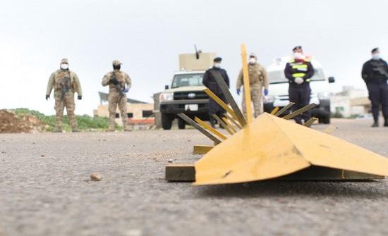 محافظ إربد: رفع العزل عن بنايتين في بلدة حوارة