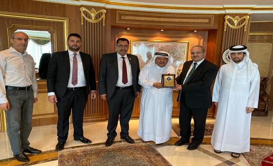رئيس هيئة مديري جامعة جدارا يشارك في إجتماع رجال الأعمال الأردنيين القطريين