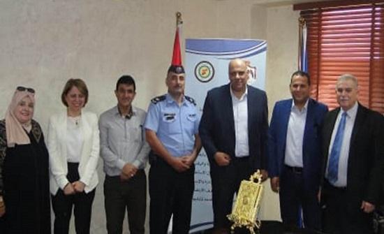 """مبادرة """"نشمي ونشمية"""" تكرم رئيس ديوان الخدمة المدنية"""