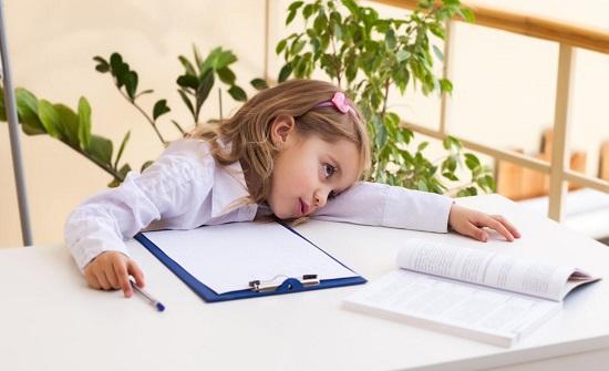 """أعراض نقص فيتامين """"سي"""" لدى الأطفال وكيفية تعويضه"""