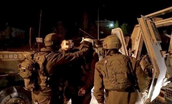 اعتقالات بالضفة واقتحامات للأقصى.. وتصعيد بسلفيت وغزة