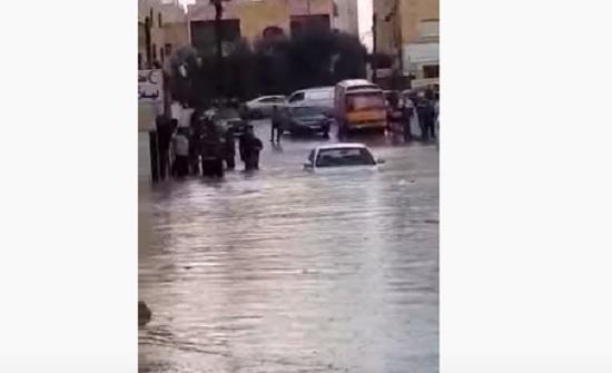 بالفيديو : شوارع ماركا تغرق بمياه الأمطار