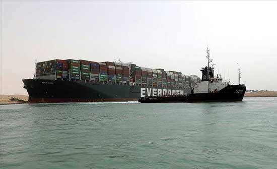 """القاهرة: """"إيفرجيفن"""" لم تبلغنا مسبقا بحمل بضائع سريعة الاشتعال"""