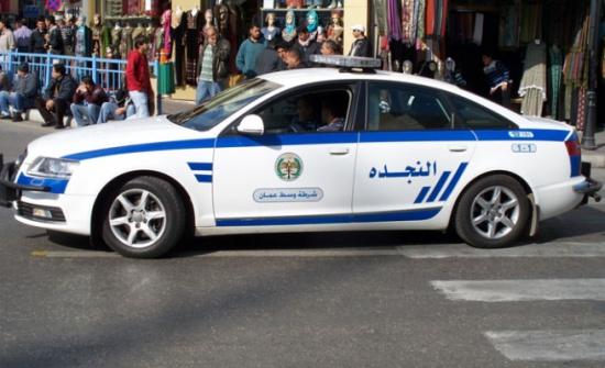 إربد : القبض على سارق مركبة تحت تهديد السلاح