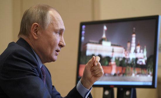 """بوتين يتلقى اللقاح غداً ويستنكر تصريحات أوروبية عن """"سبوتنيك"""""""