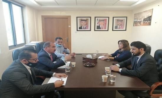 بحث تعزيز حركة التبادل التجاري بين الأردن وعُمان