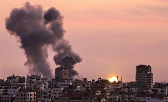 استشهاد شابين فلسطينيين جراء قصف طائرات الاحتلال غزة
