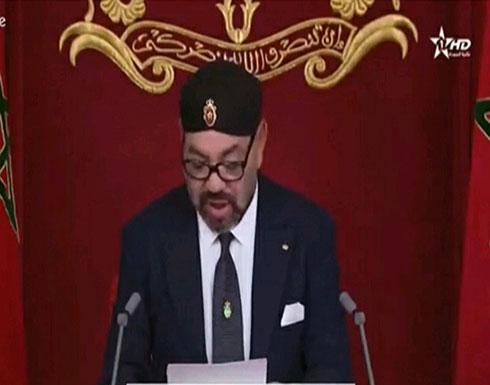 """خاطبه بـ""""الأخ العزيز"""".. الرئيس الجزائري يطمئن على صحة العاهل المغربي"""