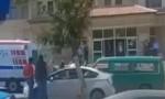 شهود عيان : زوجة تدفع زوجها عن درج في محكمة إربد الشرعية وتصيبه