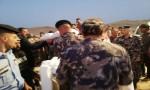 بالفيديو : تشييع جثامين العائلتين الباكستانيتين  في مقبرة الكرامة