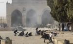قوات الاحتلال تقتحم المسجد الأقصى وتهاجم المرابطين (فيديو)