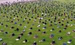 بالصور : مشاهد مهيبة لعشرات آلاف الاتراك يؤدون اول صلاة جمعة في زمن كورونا