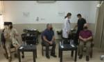 شاهد بالفيديو : الملك والاميران حسن وحسين يتلقون لقاح كورونا