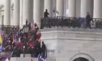متظاهرون من أنصار ترمب يقتحمون مبنى الكونغرس .. بالفيديو