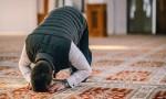 فتح مصليات النساء للرجال لاداء صلاة الجمعة