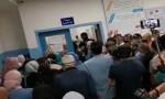 ازدحام شديد في مركز تطعيم بمستشفى البشير .. بالفيديو