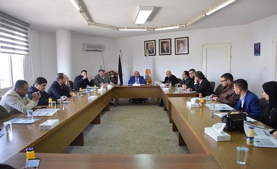 مجلس جامعة إربد الأهلية يلتقي لمناقشة عدد من المواضيع المدرجة على جدول أعماله