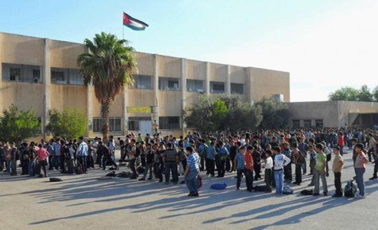 فعاليات رسمية وشعبية تطالب باستئناف الدراسة وعودة الطلبة لمدارسهم