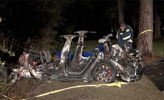 قتيلان في حادث سيارة إلكترونية دون سائق في تكساس