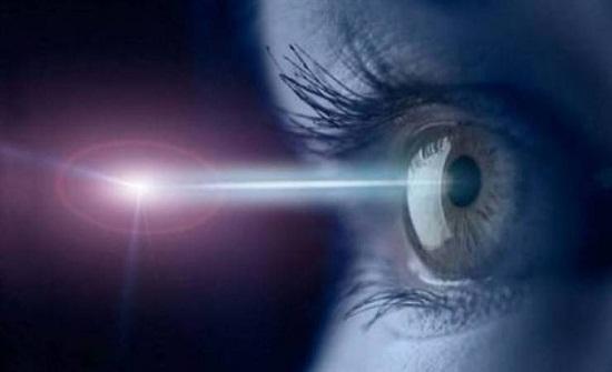 أشعة الليزر خطيرة على العين
