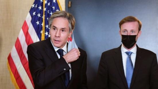 الناتو يحذر من نووي روسيا.. وأميركا تلوح بالضغط والحوار