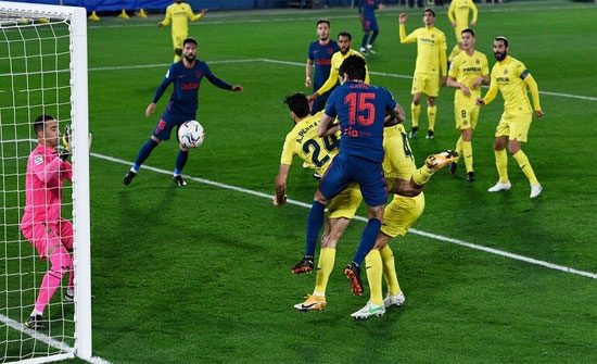 """بالفيديو .. أتلتيكو مدريد يستعيد توازنه من بوابة """"الغواصات الصفراء"""" ويعزز صدارته"""